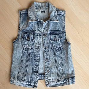 Brandy Melville - Jeans Vest